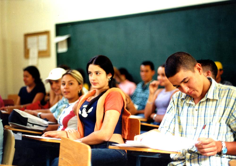 esrudiantes en clase