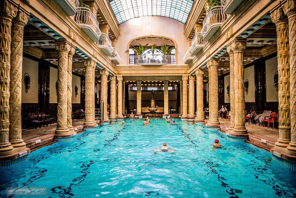 Las cinco piscinas m s impresionantes del mundo goplaceit - Banos budapest ...