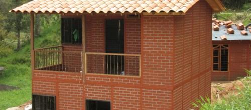 casas prefabricadas casa real con prtas metalicas