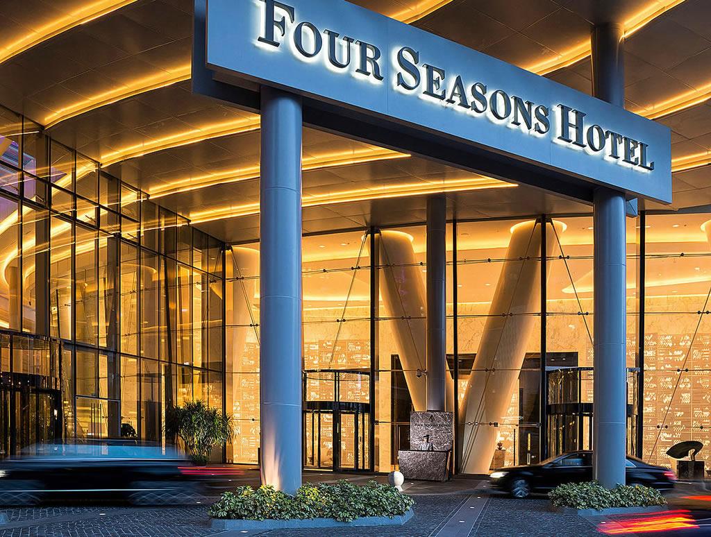 Four-Seasons-Hotel-Guangzhou-Street-Level