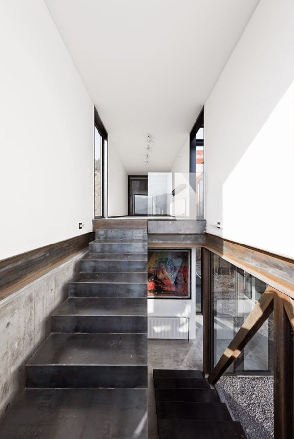 13-casa-oruga-sebastian-irarrazaval-photo-@-sergio-pirrone