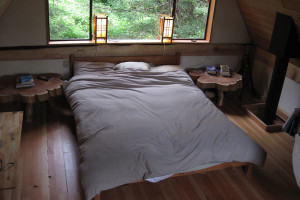 simple-japanese-inspired-tiny-house-zen-cabin-in-the-woods-19