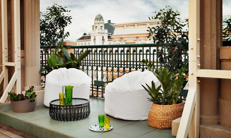 20 ideas para decorar tu peque o balc n goplaceit for Amazon muebles terraza