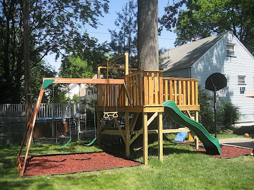 2d35ac49e Cómo fabricar una zona de juegos infantiles en el jardín? | Goplaceit