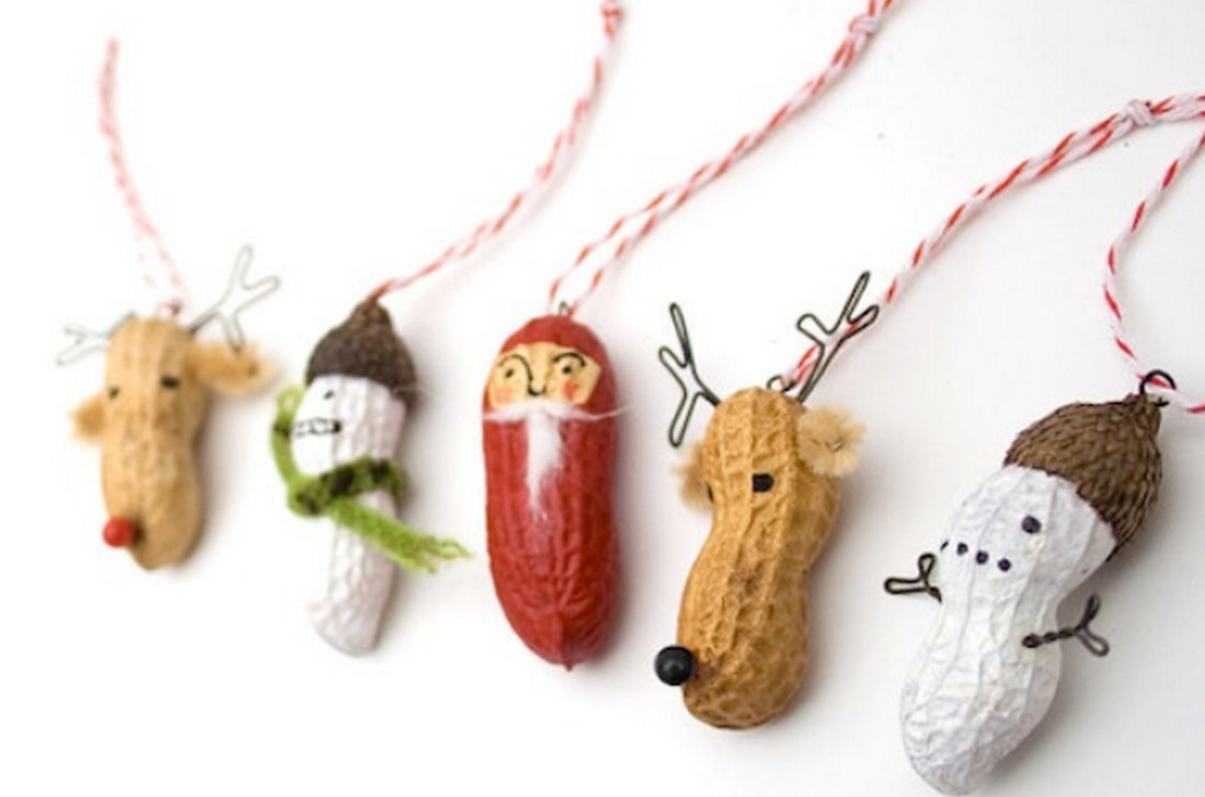 o reutiliza las cscaras de man para hacer divertidos monitos navideos